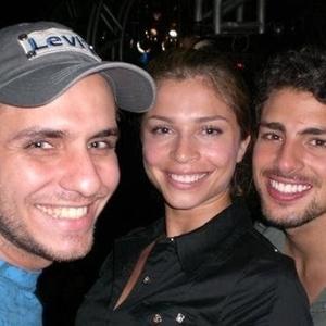 Charles Cabral tirou foto com a ex-BBB Grazi Massafera, da quinta edição do BBB e o ator Cauã Reymond