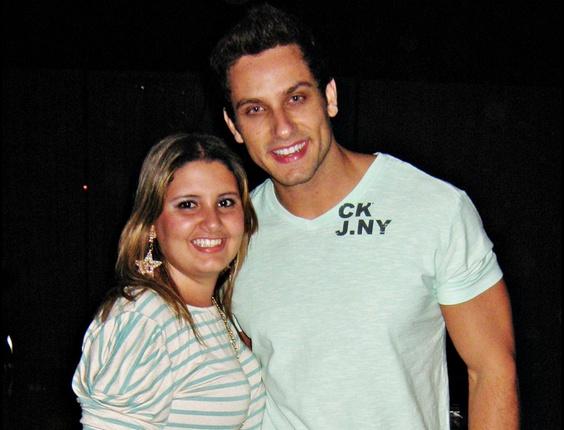 Lorena Thaysa de Rezende tirou uma foto com o ex-BBB Eliéser