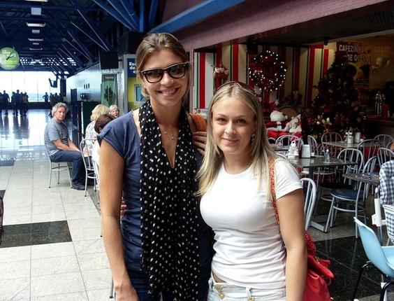 Juliana Pasiani encontrou Grazi Massafera no aeroporto de Curitiba