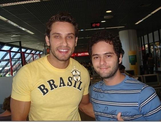 O internauta Mauro Galvão encontrou o ex-bbb Elieser no Aeroporto Internacional de Brasília