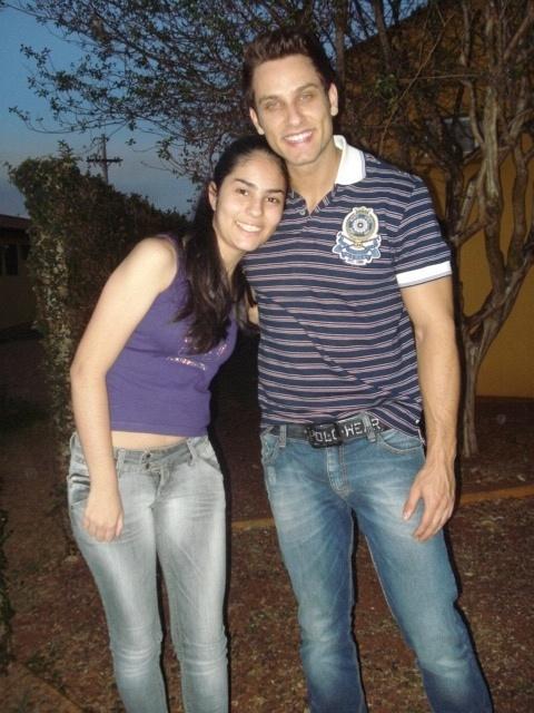 Quedma Moreira encontrou o ex-BBB Eliéser no hot el onde ele estava hospedado em Barretos, durante a Festa do Peão da cidade