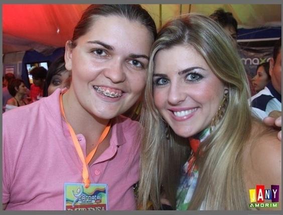 Jany Amorim enviou uma foto ao lado da ex-BBB Iris, participante da sétima edição do programa