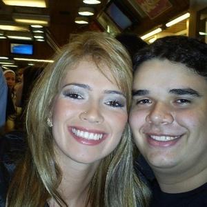 O internauta Leandro Pinto Aleixo enviou uma foto com Fani Pacheco, do BBB7