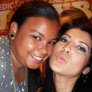 Clarissa e Priscila Pires do BBB9, na noite de autógrafos da Revista Playboy da sister