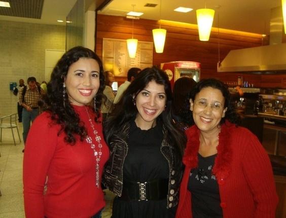 A internauta Lívia Bernardes e sua mãe Cida encontraram com Prisicla Pires no aeroporto Santos Dumont