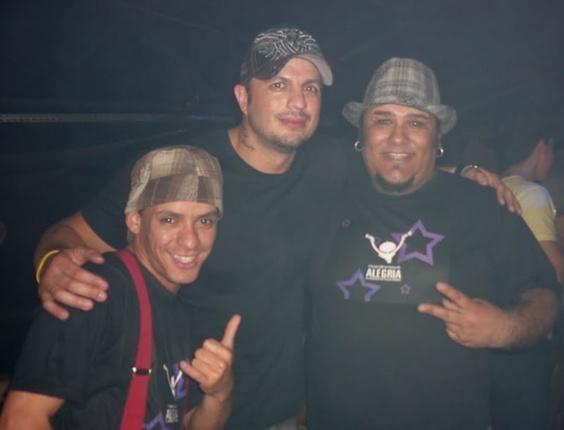 Os internautas Éverton e Tiago enviaram foto com o ex-bbb Kléber Bam Bam. Ele foi o vencedor da primeira edição do Big Brother Brasil