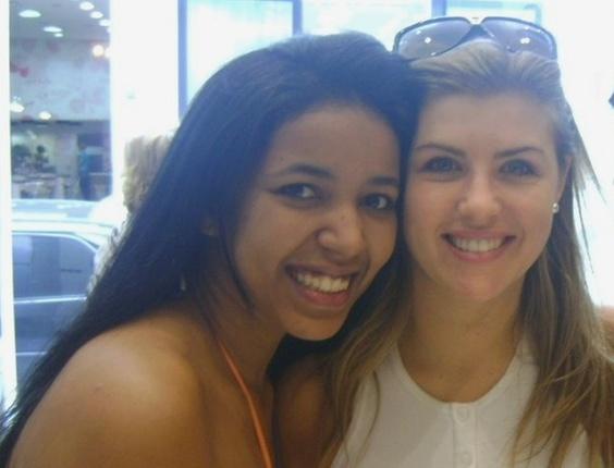 Eliene Rodrigues Santos fotografou com a ex-bbb Iris do BBB7